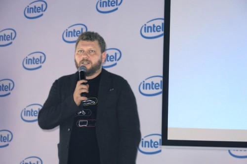 Vice President 01 500x333 Первый в России вице президент Intel (часть 1)